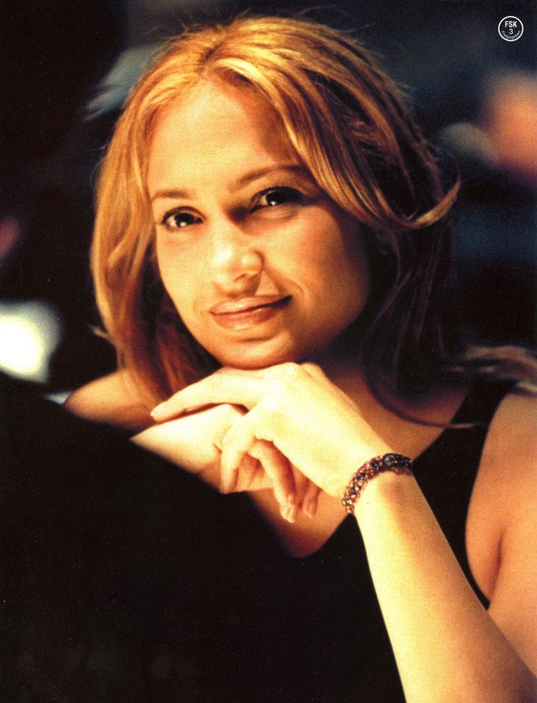 image Jennifer lopez angel eyes