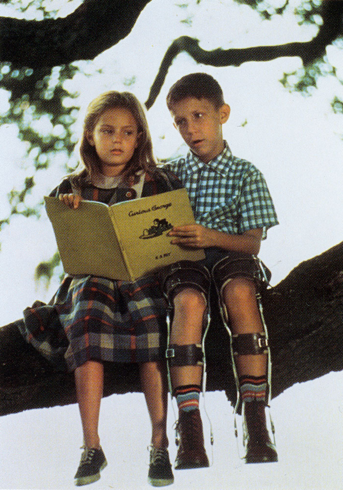 essay forrest gump movie Forrest gump essays every movie portrays society a certain way, but many times we are not even aware of this for example, a movie might have a scene set in a city.
