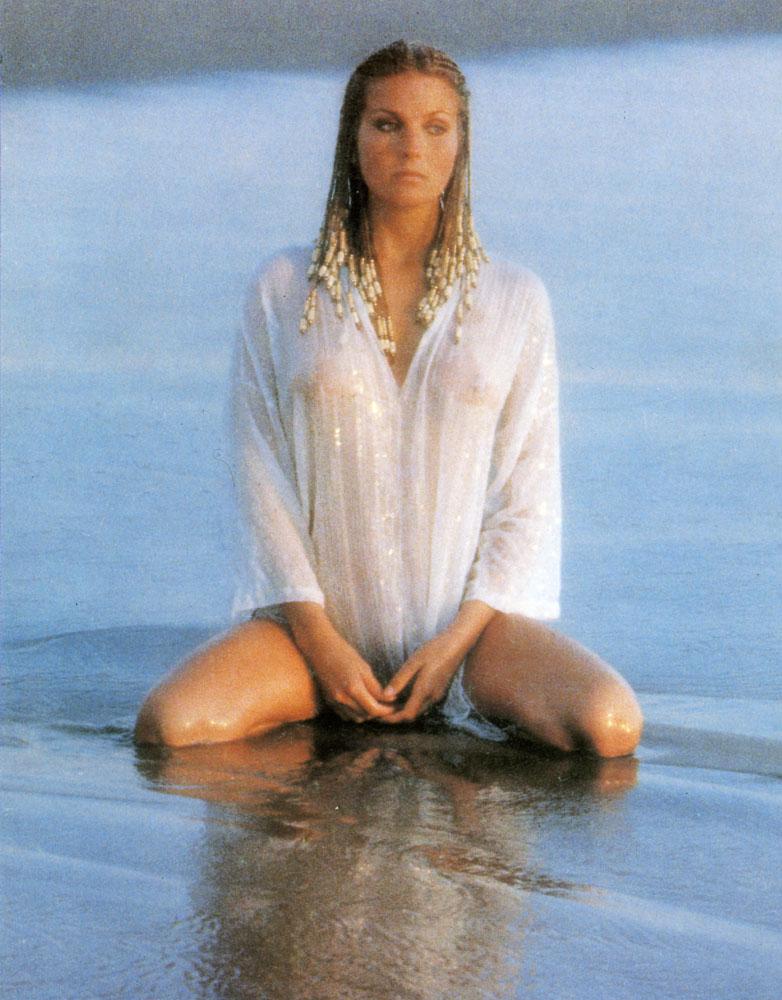 Luciana salazar desnuda com pics 79