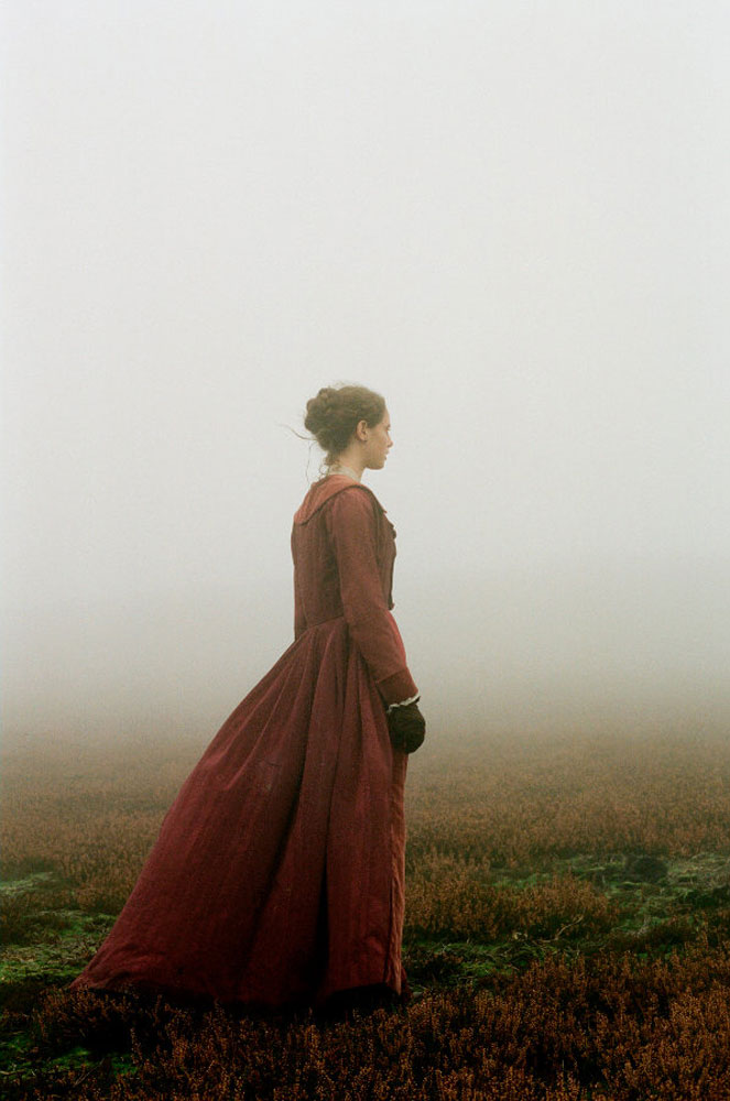 clashing contrasts wuthering heights The differences in wuthering heights and thrushcross grange add intensity to  the personal story of the lintons and earnshaws by each directly representing.